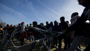 Imigranci na granicy grecko - macedońskiej