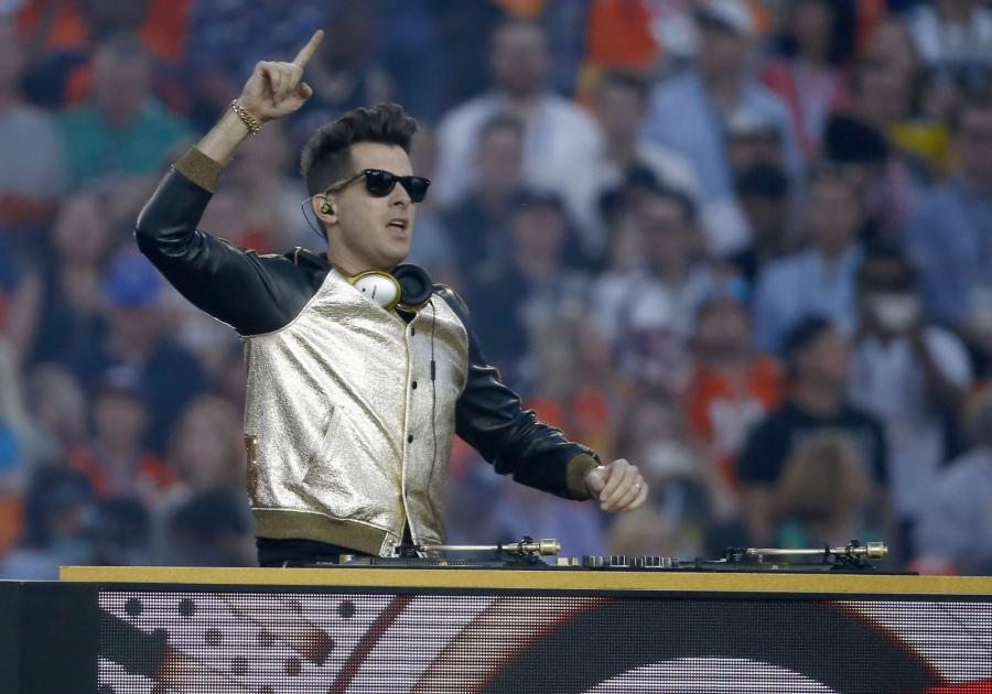 Mark Ronson na Super Bowl 2016
