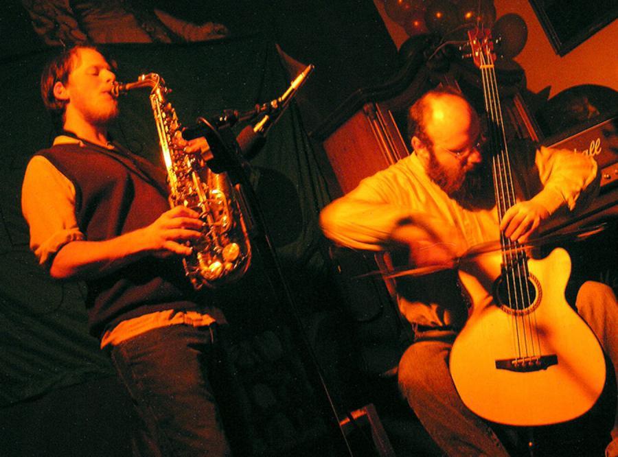 Keir Neuringer z Brooklynu połączy grę na saksofonie z dźwiękami z kaset magnetofonowych