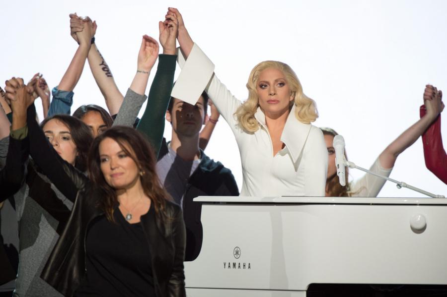 Lady Gaga Oscara nie zdobyła, ale zawojowała serca publiczności