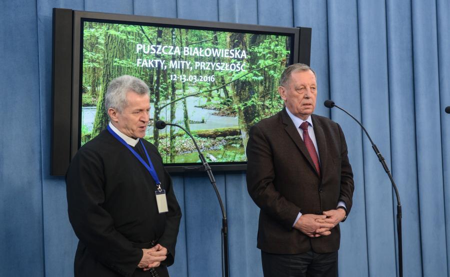 Minister środowiska Jan Szyszko i o. Zdzisław Klafka
