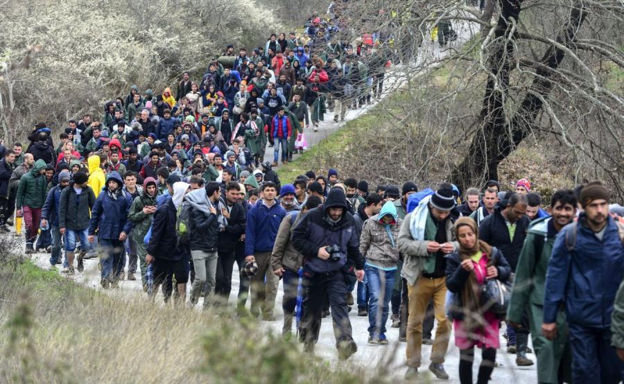 Imigranci niedaleko Idomeni