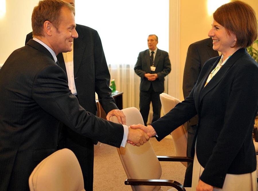 Samorządowcy krytykują Tuska i Piterę