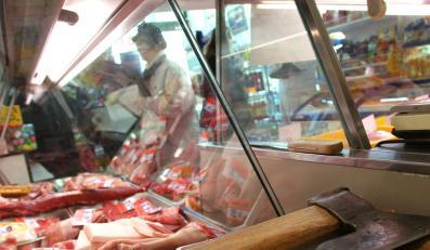 Książka Stokłosy na półkach z mięsem