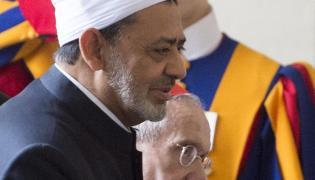 Kardynał Jean-Louis Tauran wita Ahmed al-Tajeba