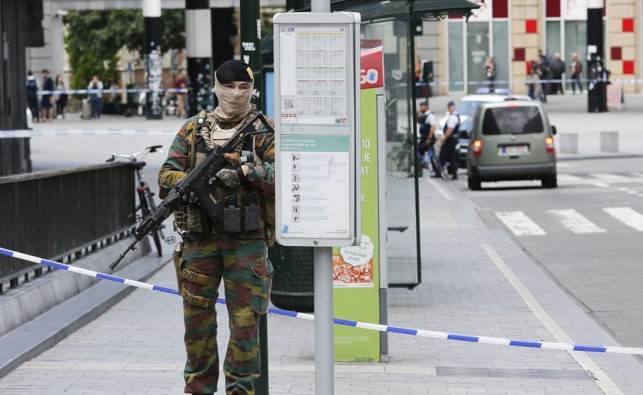 Zamaskowany belgijski żołnierz