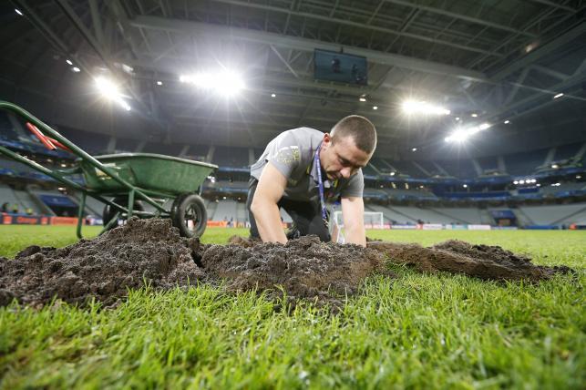 Murawa na stadionie w Lille wymieniona. W niedzielę zagrają na niej Niemcy ze Słowakami