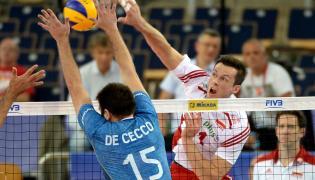 Dawid Konarski (P) i Luciano De Cecco (L) z Argentyny podczas meczu Ligi Światowej siatkarzy, Polska-Argentyna
