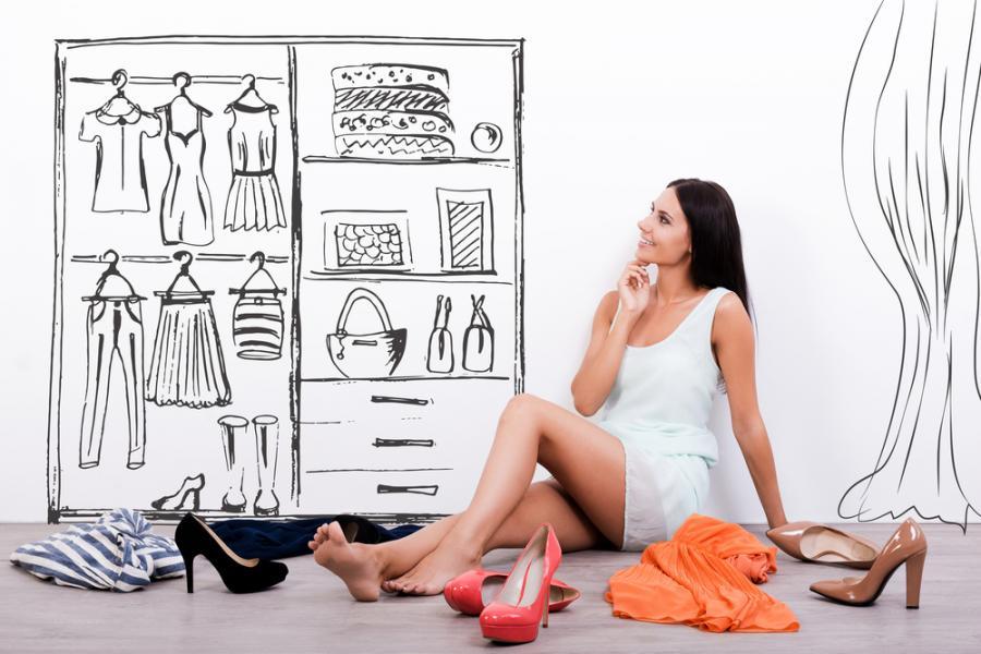 Kobieta w garderobie