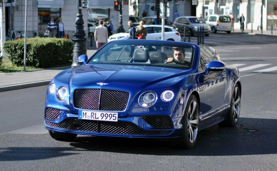 Robert Lewandowski i bentley continental GT speed convertible