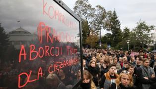 Demonstracje przed Sejmem