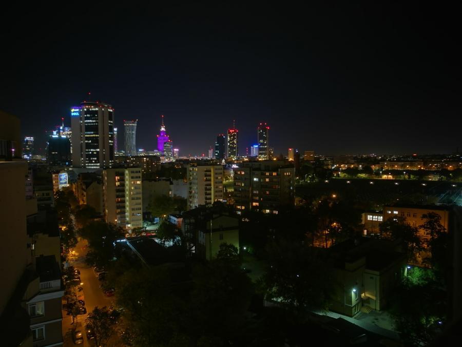 Honor 8 od Huawei - tryb nocny ze statywem