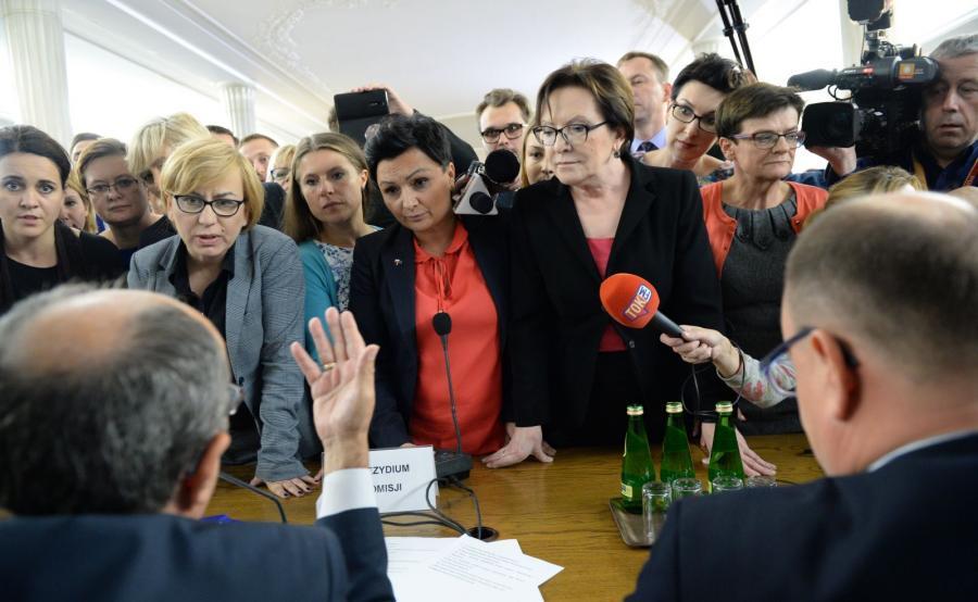 Ewa Kopacz w gronie posłów opozycji na sejmowej komisji sprawiedliwości