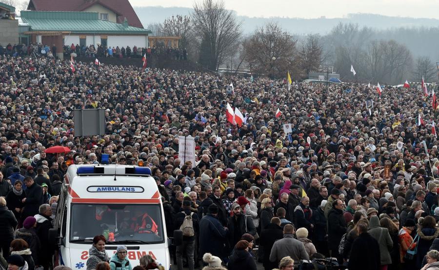Tysiące wiernych w Łagiewnikach