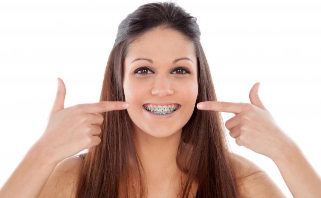 MIT 1 - Estetyka to najważniejszy powód, by podjąć leczenie ortodontyczne