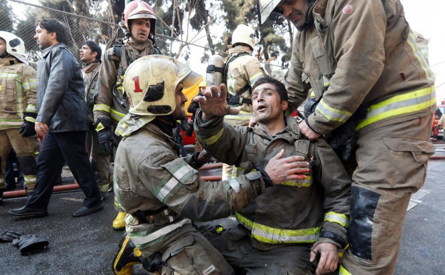 30 strażaków zginęło pod gruzami