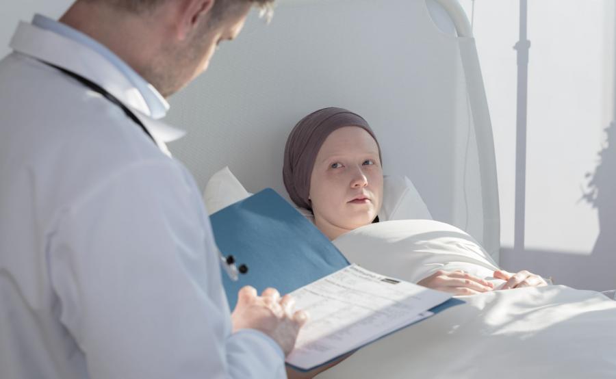 Dziewczynka w szpitalu