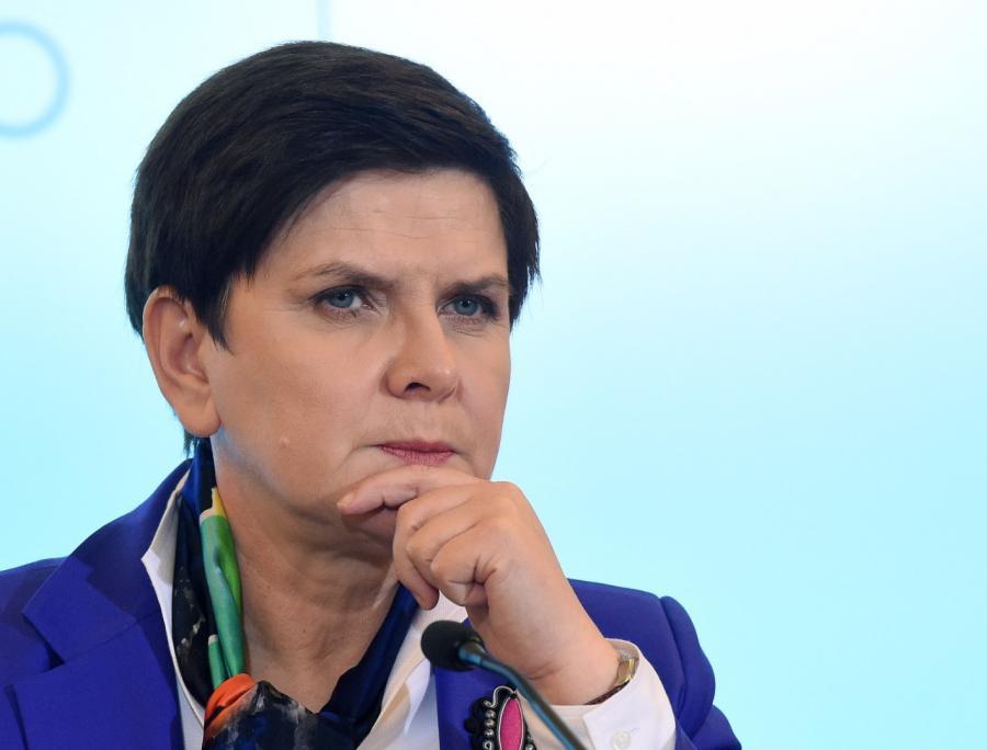 Premier Beata Szydło podczas konferencji prasowej po posiedzeniu rządu