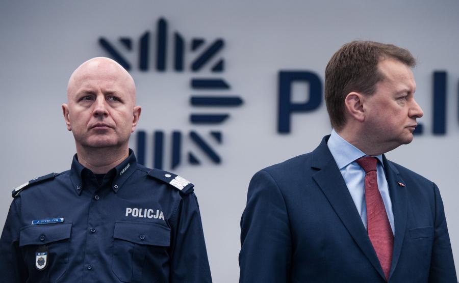 Komendant główny policji Jarosław Szymczyk i szef MSWiA Mariusz Błaszczak
